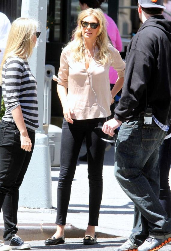 Kate-Upton---The-Other-Woman-Set-in-NYC