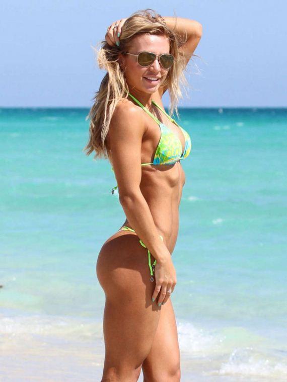 Kate-Usmanova-Bikini