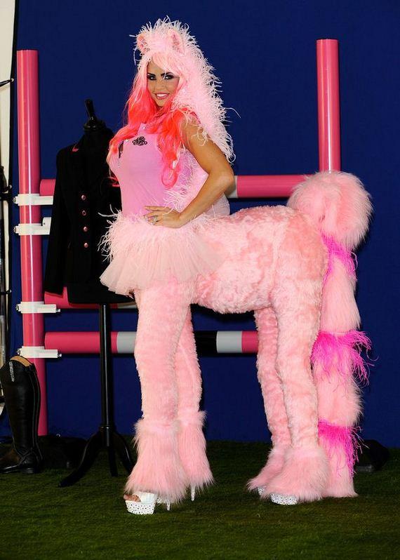 Katie-Price-pink-horse