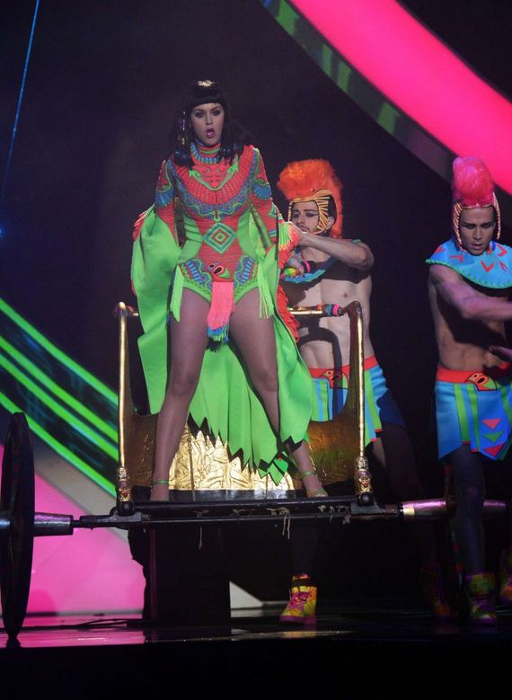 Katy-Perry -BRIT-Awards-2014