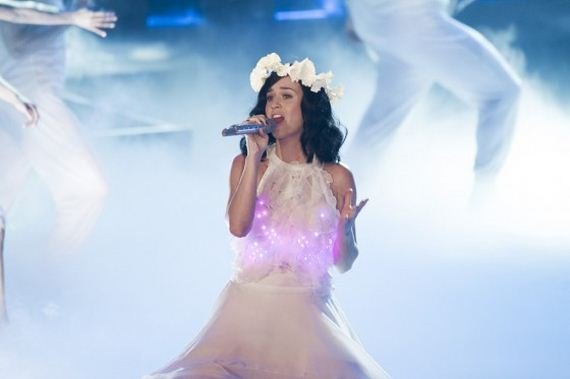 Katy-Perry -Performs-on-The-Voice