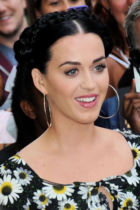 Katy-Perry-stopped-by-Good-Morning