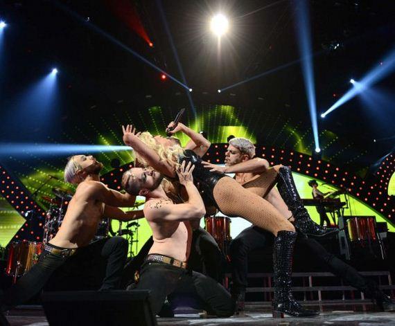 Ke$ha-iHeart-2013-Performance