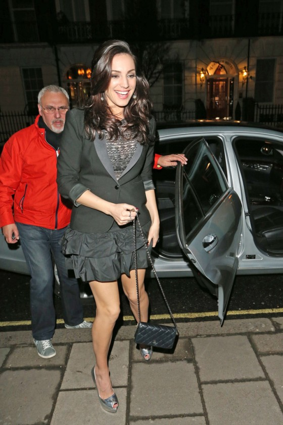 Kelly-Brook-The-Book-of-Mormon-gala