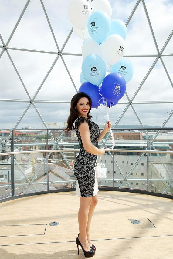 Kelly-Brook-at-Victoria-Squares-5th-Birthday-Bash-in-Belfast