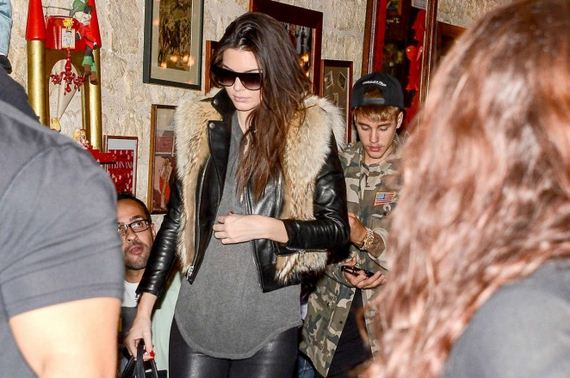 Kendall-Jenner-in-Leather-Pants
