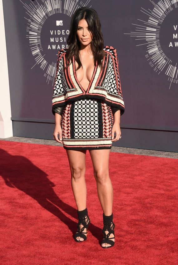 Kim-Kardashian -2014-MTV-Video-1