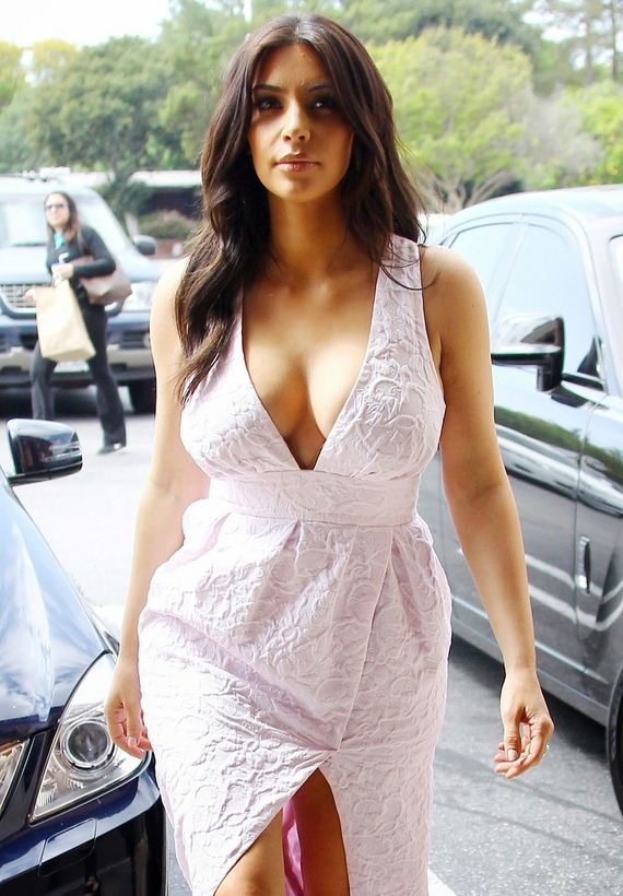Kim-Kardashian-Calabasas