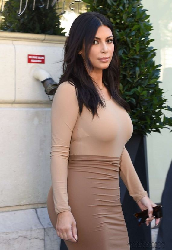 Kim-Kardashian-Shopping