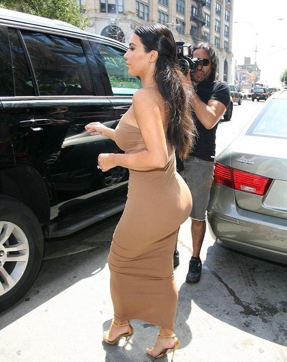 Kim-Kardashian-in-Tight