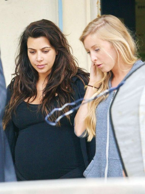 Kim-Kardashian-on-set-for-her-reality-show-in-Malibu