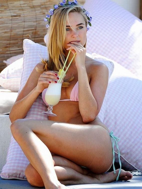 Kimberley-Garner-bikini-2013