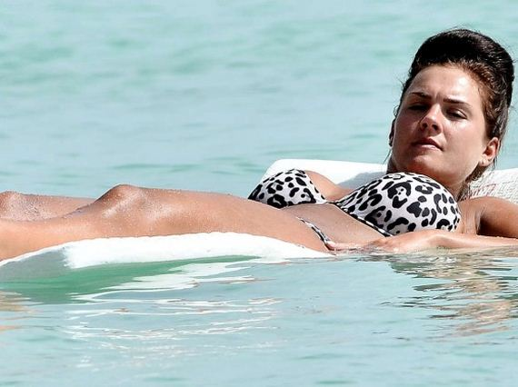 Kirsty-Maclaren-in-Bikini-on-the-Beach-in-Barbados