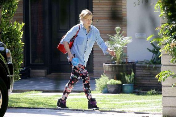 Kristen-Bell-outside-Her-House-in-Los