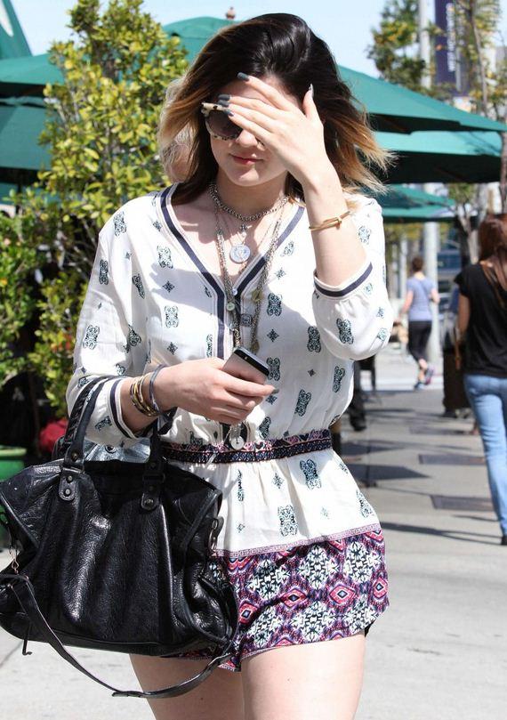 Kylie-Jenner-Leggy-in-West-Hollywood