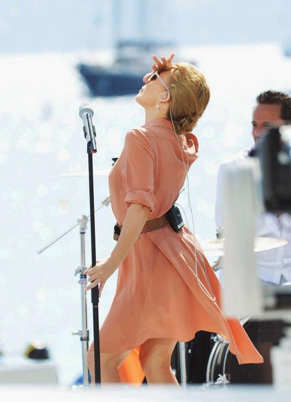 Kylie-Minogue-12