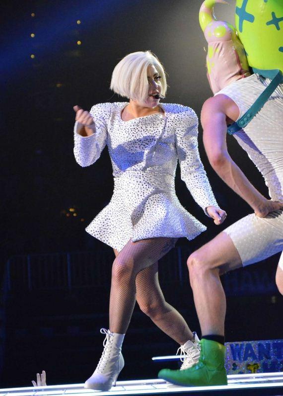 Lady-Gaga---ArtRave