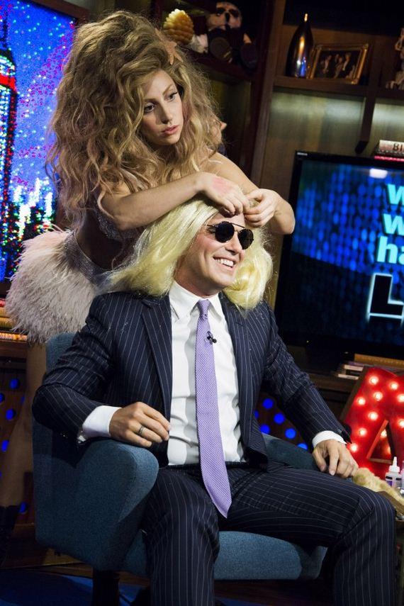 Lady-Gaga---clamshell-bikini