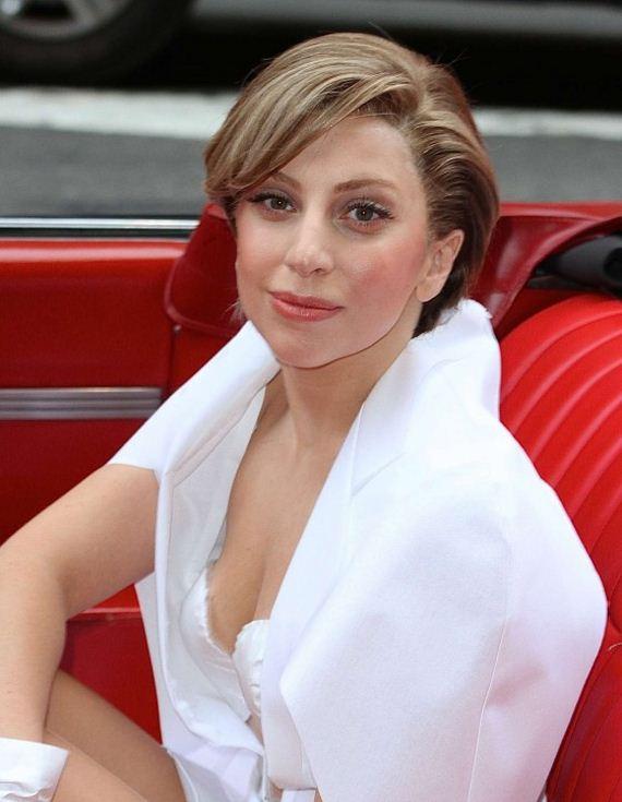 Lady-Gaga-in-1959-Cadillac