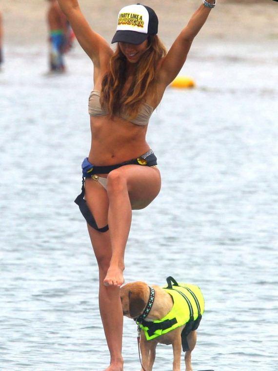 Leilani-Dowding---Paddleboarding-in-Bikini-in-Malibu