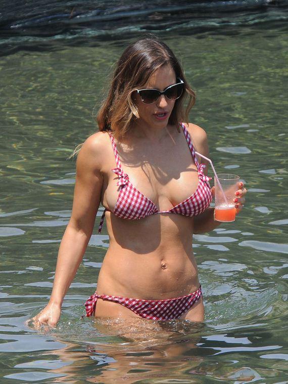 Lola-Ponce-in-Bikini