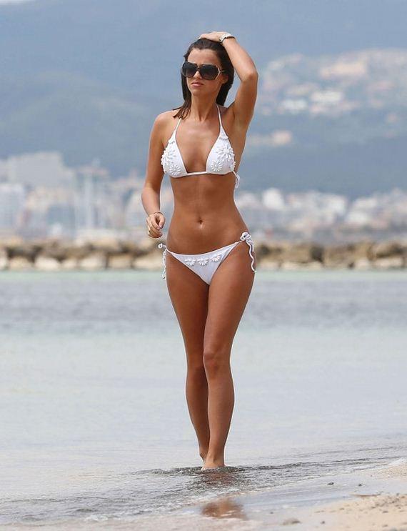 Lucy-Mecklenburgh-White-bikini-candids