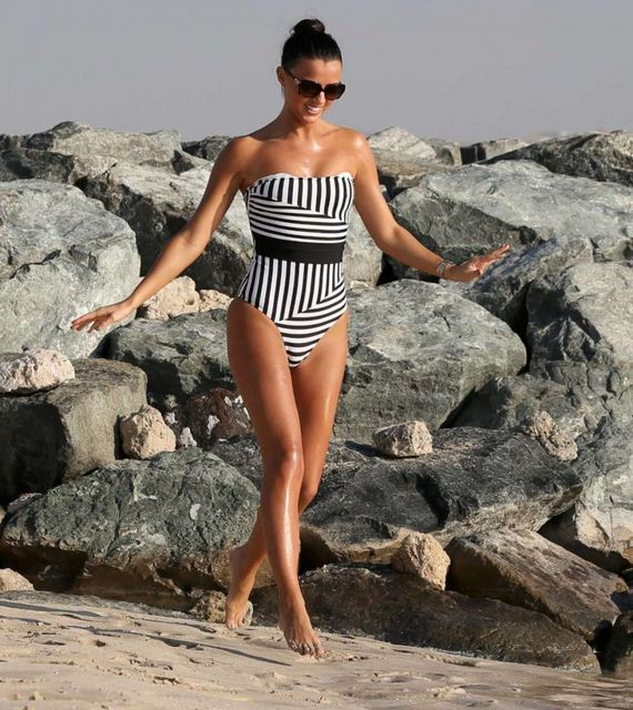Lucy-Mecklenburgh-in-a-Swimsuit