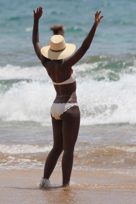 Lupita-Nyongo-in-Bikini-2014