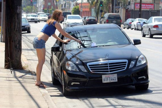 Maitland-Ward-getting-a-ticket