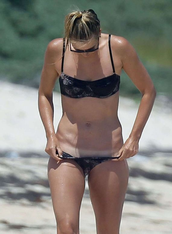 Maria-Sharapova-in-Bikini-in-Cancun