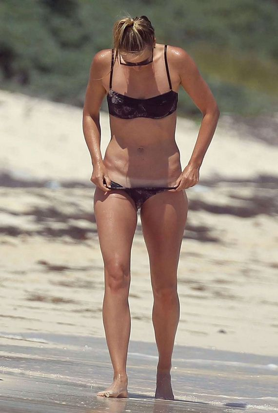 Maria-Sharapova-in-Bikini-in-Cancun