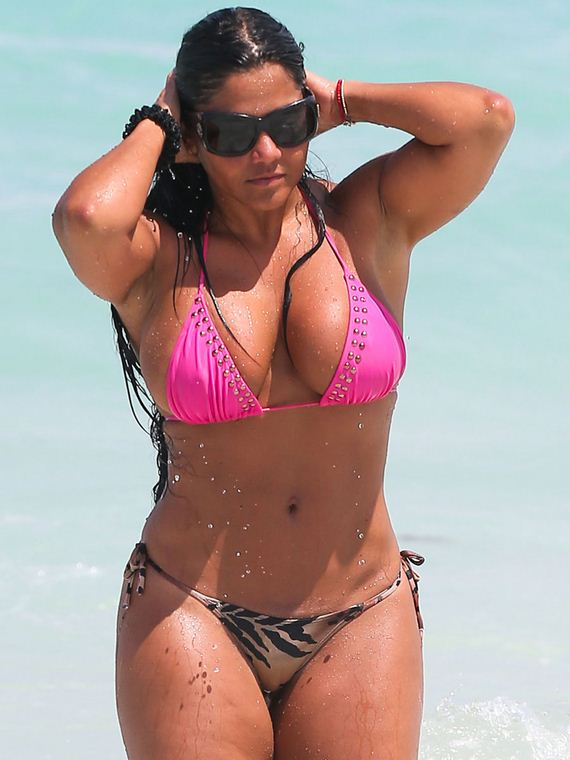 Maripily-Rivera-Bikini-in-Miami-09