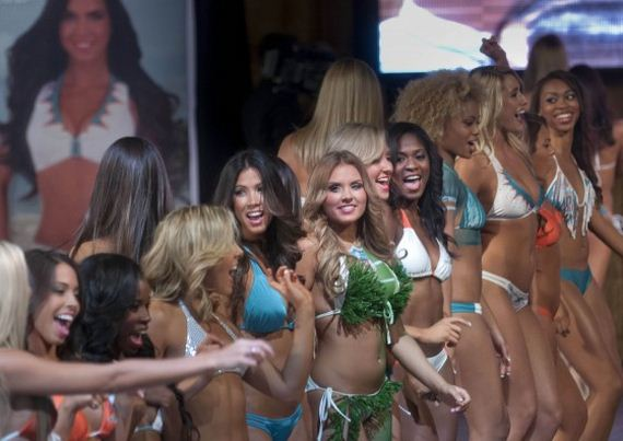 Miami-Dolphins-Cheerleader-2013