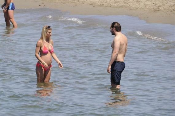 Michelle-Hunziker-in-bikini