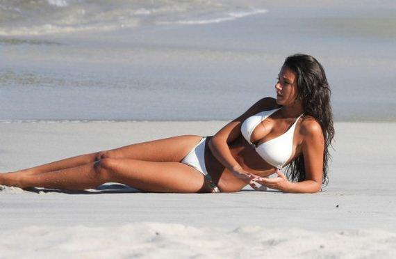 Michelle-Keegan-Bikini-HQ