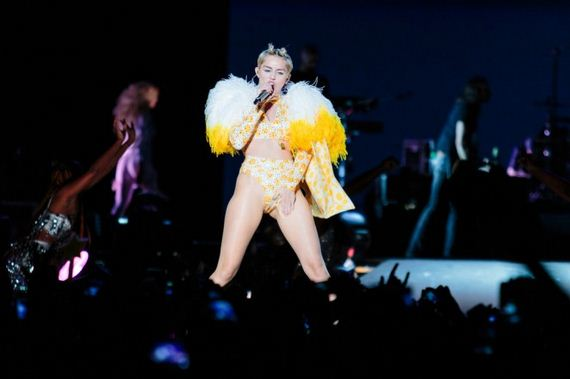 Miley-Cyrus -Bangerz-Tour