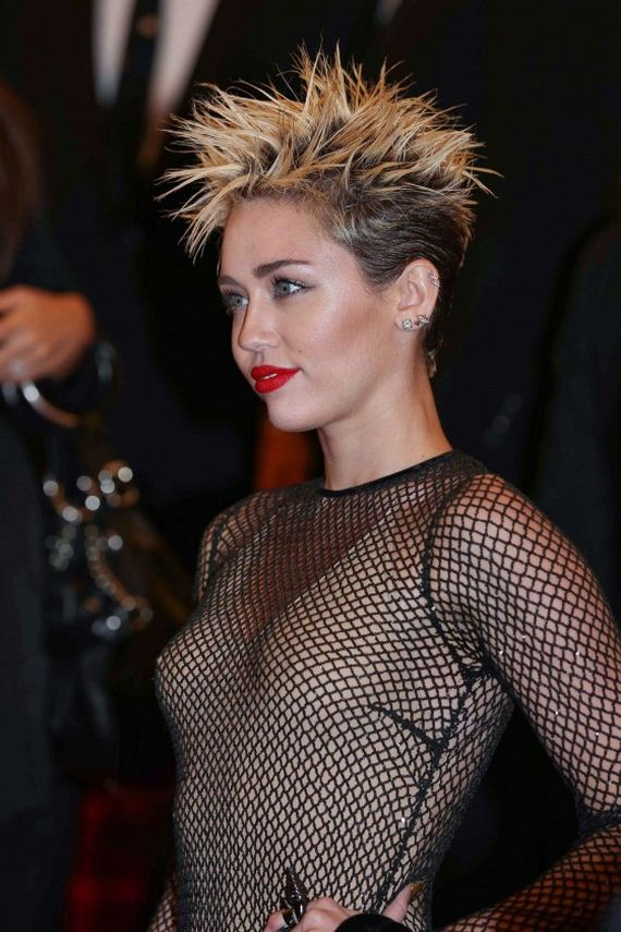 Miley-Cyrus---2013-Met-Gala