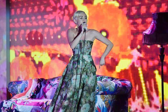 Miley-Cyrus-806