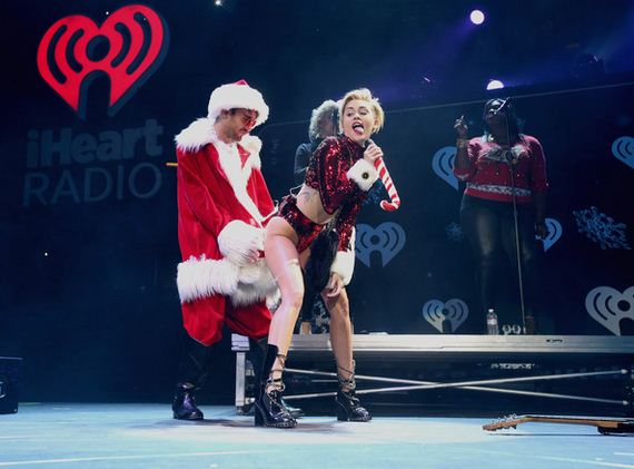 Miley-Cyrus-Jingle-Ball-2013-Pictures