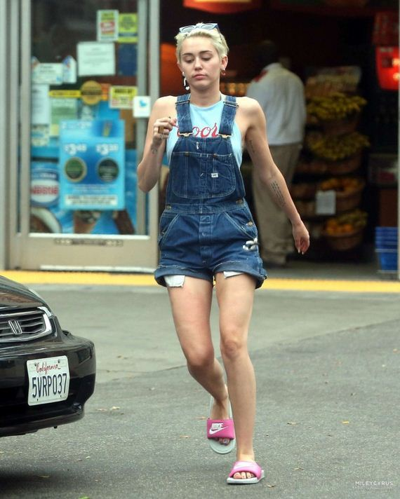 Miley-Cyrus-Spotted