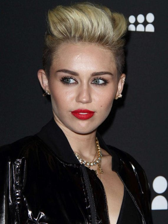 Miley-Cyrus-at-Myspace-Launch-Event-in-LA