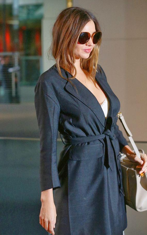 Miranda-Kerr-Looking