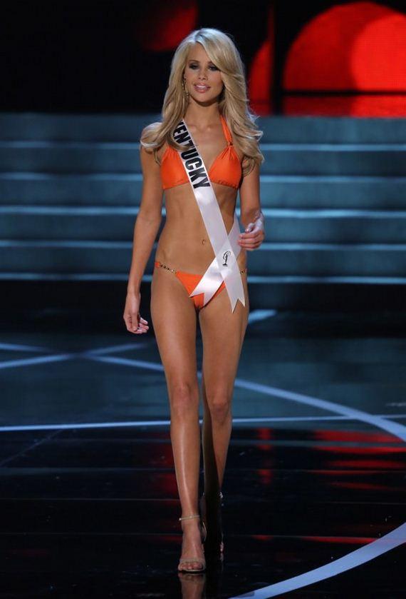 Miss-USA-2013-contestants-in-bikinis