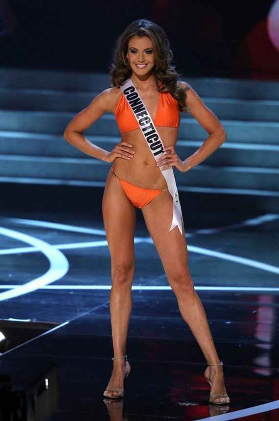 Miss-USA-2013-contestants-in-bikinis