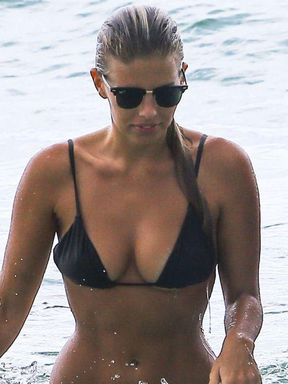 Natasha-Oakley-in-a-Bikini