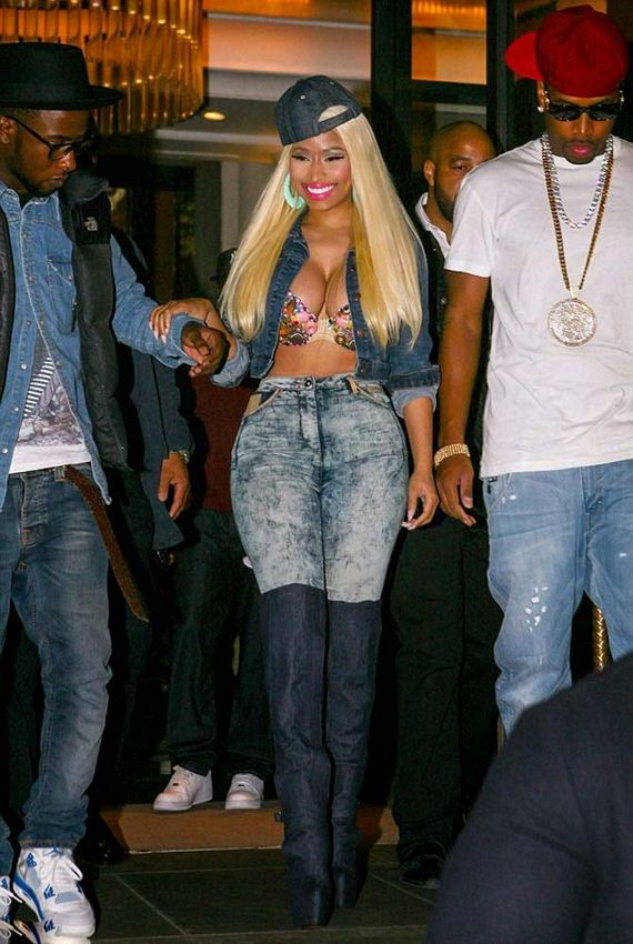 Nicki-Minaj-cleavage