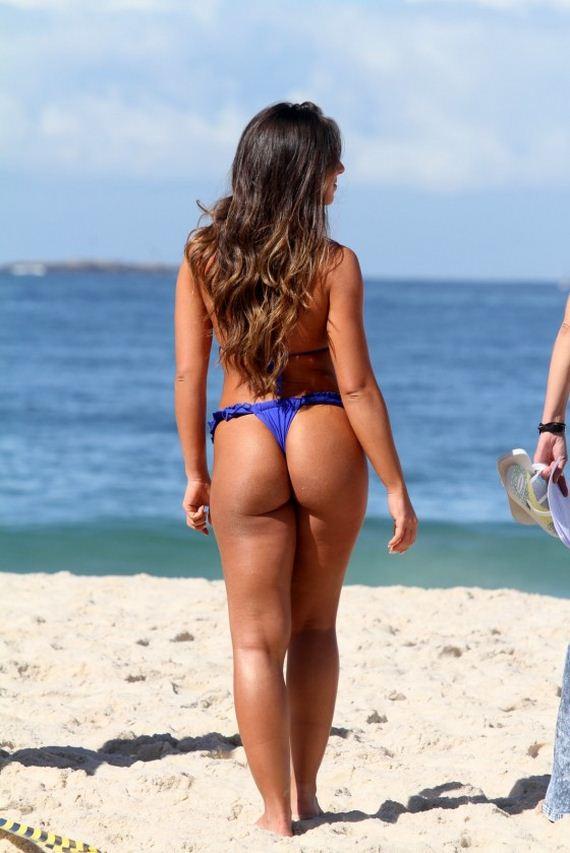 Nicole-Bahls-and-Fani-Pacheco-in-bikini