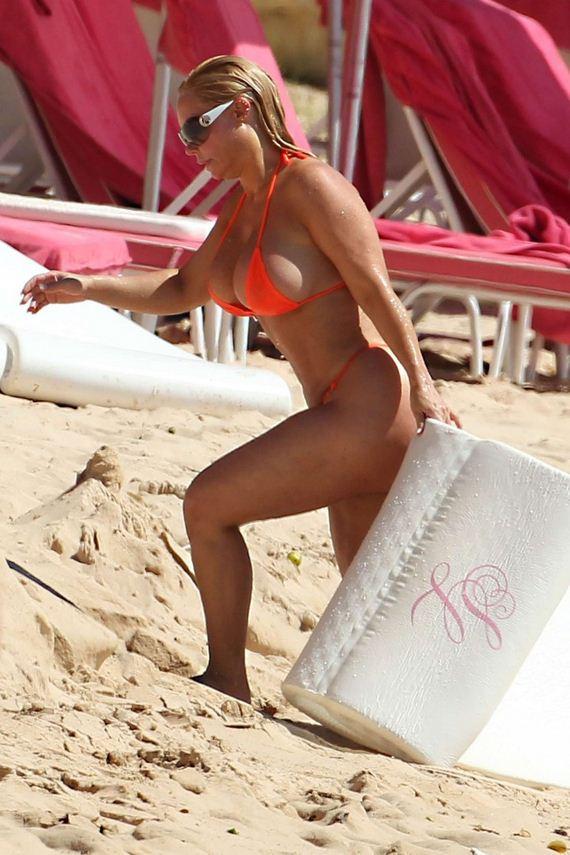 Nicole-Coco-Austin-in-Bikini-1