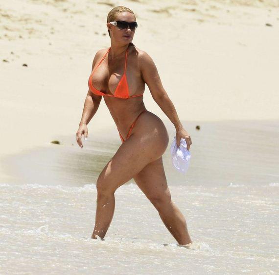 Nicole-Coco-Austin-in-Bikini