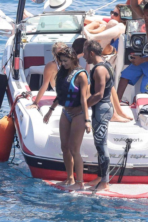 Nicole-Scherzinger-bikini-2014